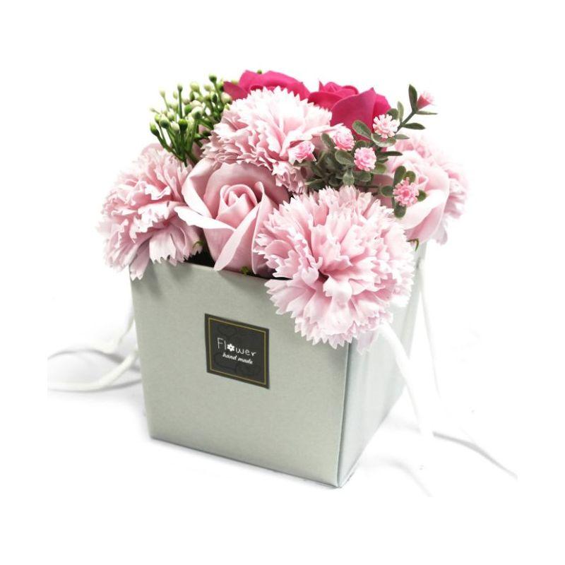 Le Bouquet Original Bain Et Présenté Dans Un Sac Cadeau Très Joli