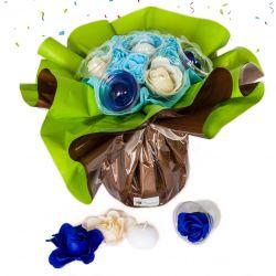 Bouquet anniversaire : fleurs de savon Bleu